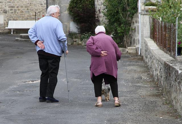 注意と対策!高齢者対応が不十分な広告が多い現実